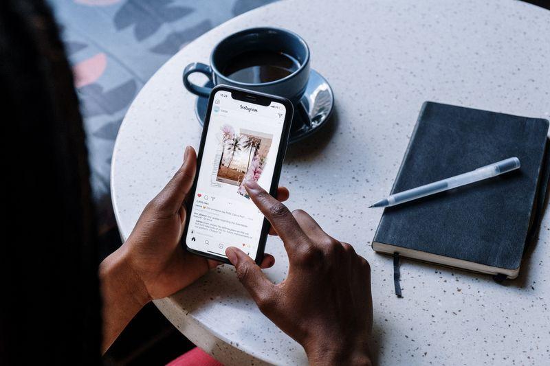 social media marketing hotels post